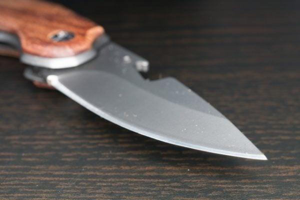 ネタ装備にサバイバルナイフ